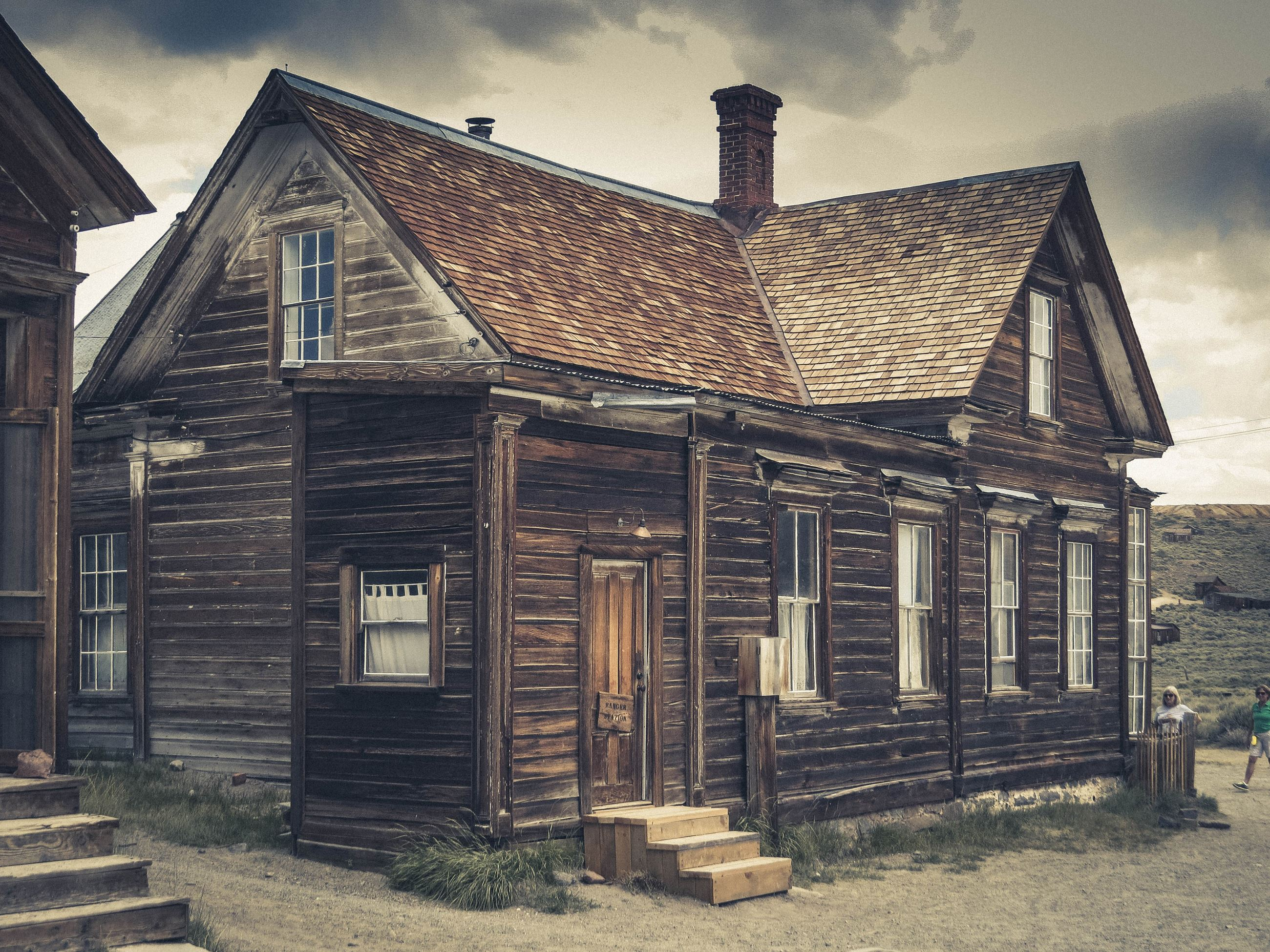 Brown Wooden House (photo by Eric Marty, unsplash)